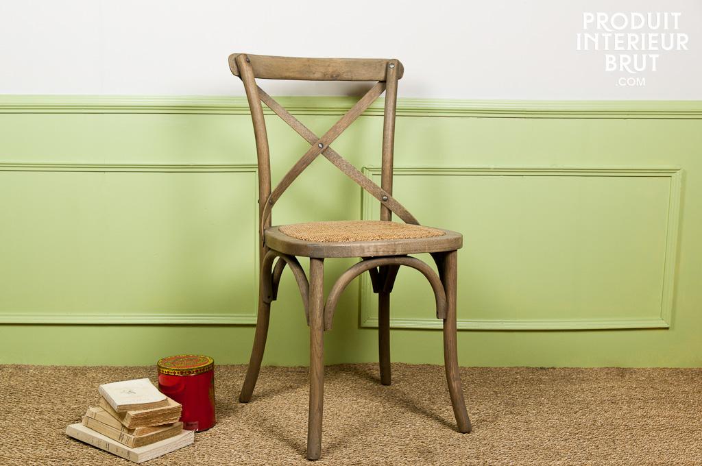 Look on ne peut plus retro de la chaise Pampelune…